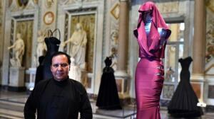 Los mejores diseños de Azzedine Alaïa, un impulsor de la silueta femenina
