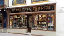 Doce escaparates de las calles de Sevilla con mucha historia