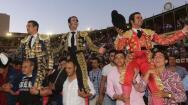 La terna de Manzanares, Padilla y Morante sale a hombros en la Feria
