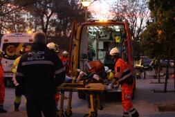 El aparatoso rescate del incendio de Triana, en imágenes
