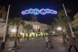 Fotos: Así es la iluminación de Carnaval de Cádiz 2017