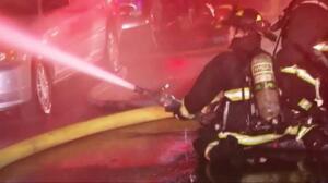 Nueve muertos y decenas de desaparecidos en un incendio en Oakland