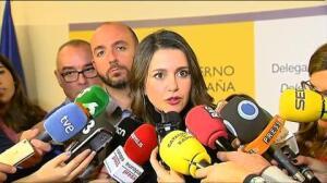 Sáenz de Santamaría se reúne en Barcelona con Iceta y Arrimadas