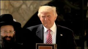 Donald Trump visita el Muro de las Lamentaciones
