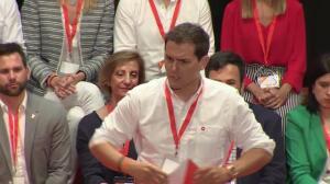"""Rivera pide a PSOE que deje de jugar con """"separatistas"""""""