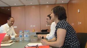 Pedro Sánchez se reúne con Javier Fernández para definir la postura en la moción de Podemos