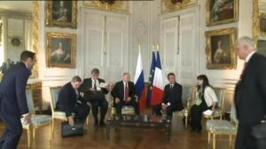 Putin recibía al nuevo presidente francés, Emmanuel Macron, en Versalles