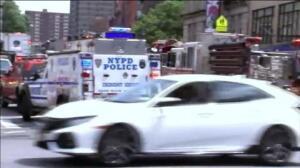 800 atrapados al descarrilar un vagón de metro en Nueva York