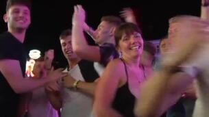 El turismo de borrachera se apodera de las calles de Magaluf