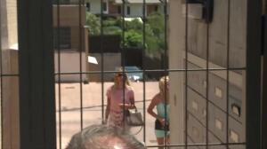 Alba Carrillo se refugia en su madre en plena batalla judicial