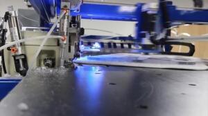 Estos robots son capaces de coser 800.000 camisetas al día
