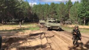 Salida al campo de maniobras en la base de Adazi, Letonia