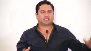 El cantante mexicano Julion Álvarez se defiende de las acusaciones de colaboración con narcotraficantes