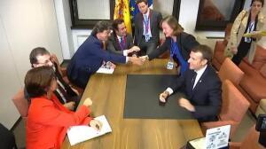 Rajoy recibe el espaldarazo de Emmanuel Macron en su pulso con Puigdemont