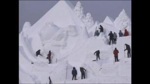 Los sueños e ilusiones de los Juegos de Invierno inspiran una escultura de nieve