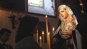Sevilla abre sus templos para acercar las imágenes a sus fieles